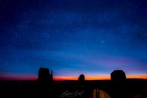 Monument-Valley-Morning-glory-IMG_1231-4.jpg